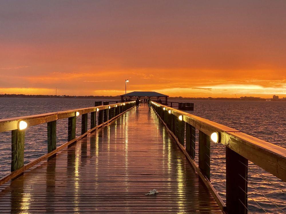 Melbourne Beach Pier: 507 Ocean Ave, Melbourne Beach, FL