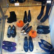 sports shoes aeb33 9cc75 Mauro Leone - Negozi di scarpe - Corso di Porta Ticinese 60 ...