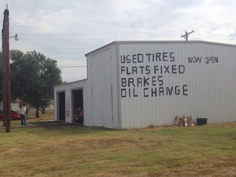 Garrett Tire & Auto: 607 Harper St, Estelline, TX