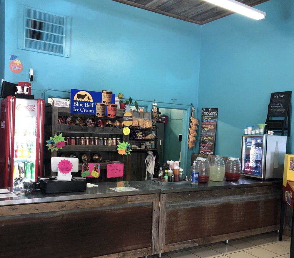 Frutas Locas: 102 N 5th St, Carrizo Springs, TX