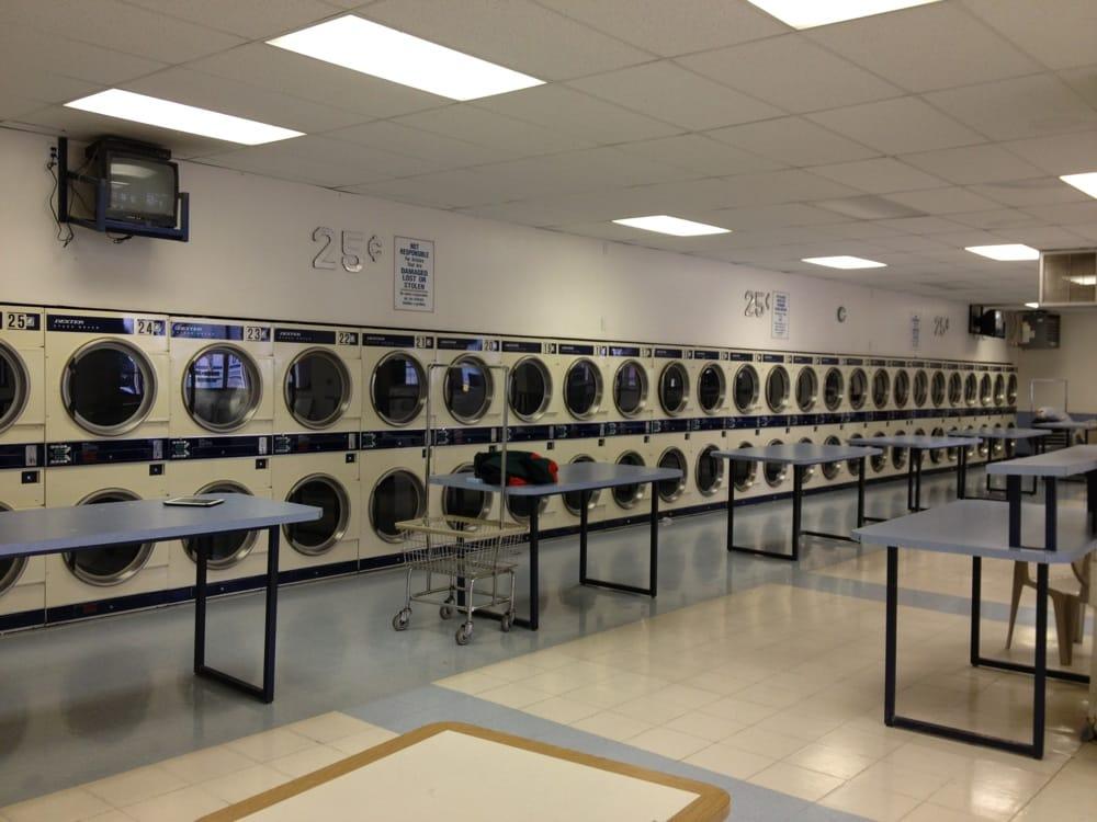 Court Street Laundromat: 1501 W Court St, Pasco, WA