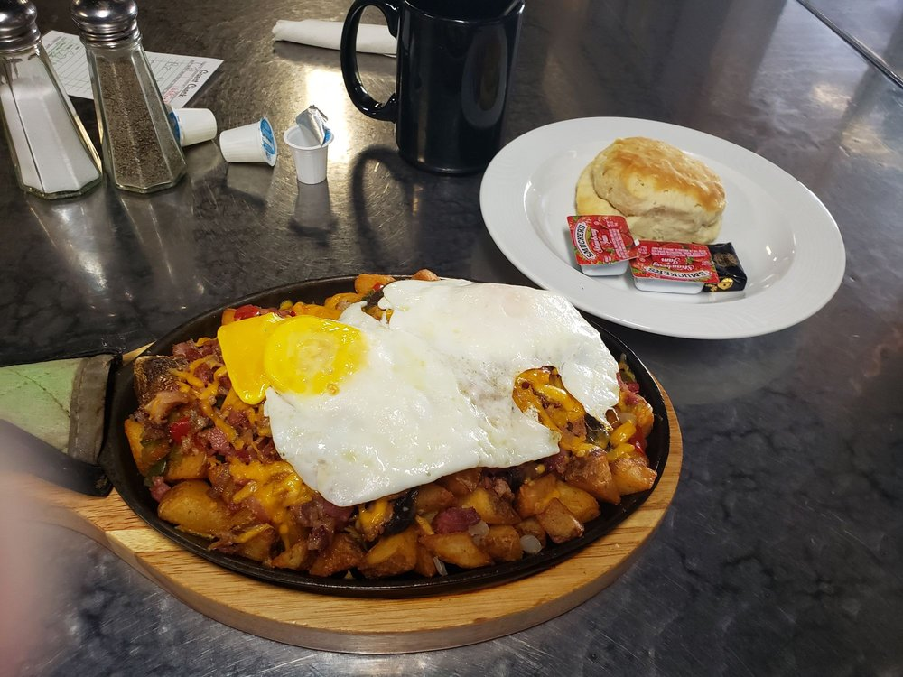 Smoky Mountain Diner: 70 Lance Ave, Hot Springs, NC