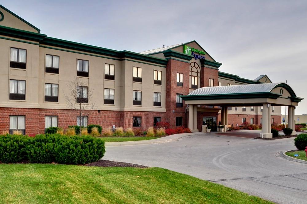 Holiday Inn Express Kansas City - at the Legends