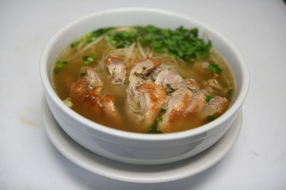 vongs thai cuisine : 65 Laconia Rd, Tilton, NH