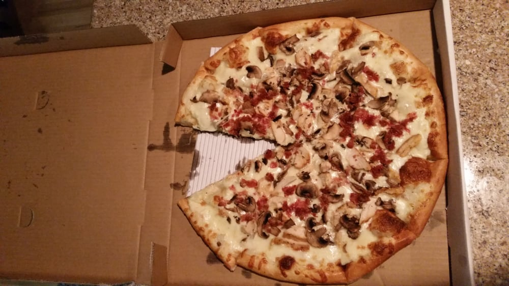 Garbanzo's Pizza: 116 Plymouth Ave, New Plymouth, ID