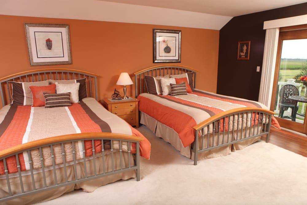 Scottish Bed & Breakfast: 2180 Miami Trl, Bremen, IN