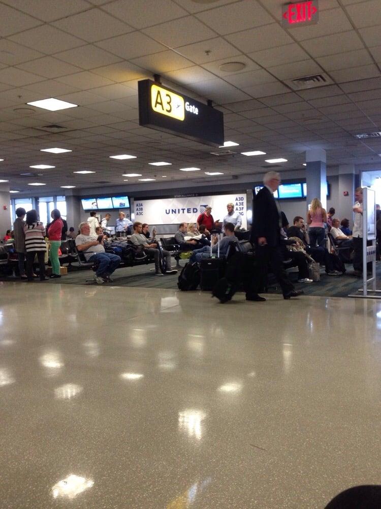United Airlines: 45055 Bravo Rd, Sterling, VA