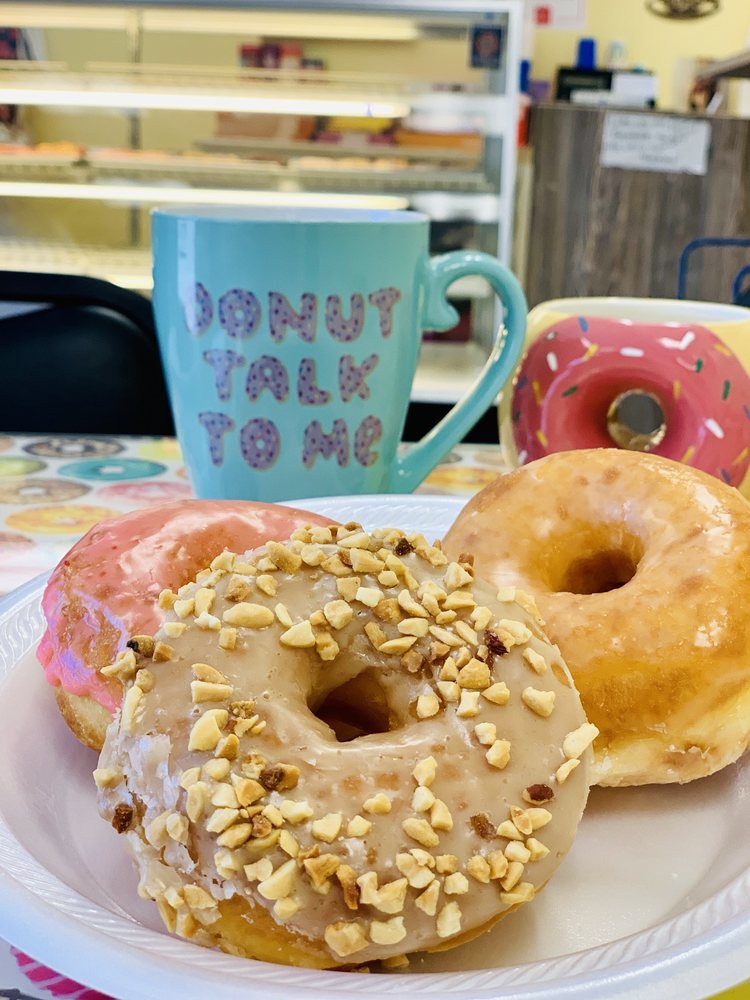 The Donut Shop on Central: 416 Central Ave, Cheyenne, WY