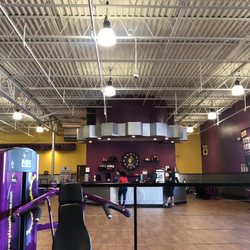 Planet Fitness - 22 Photos & 39 Reviews - Gyms - 415