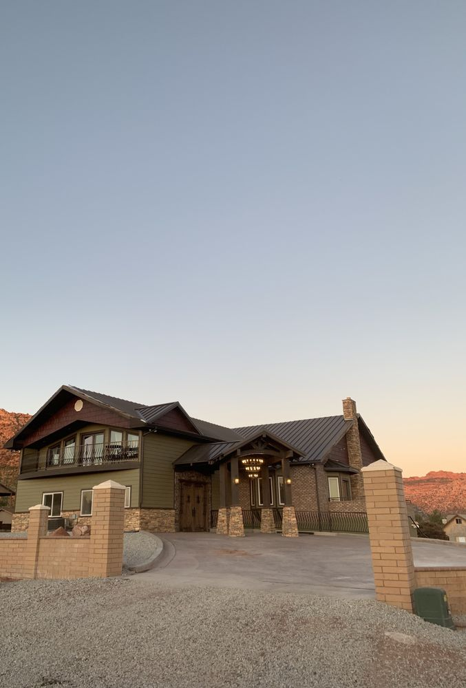 Zion Cliff Lodge: 620 N Juniper St, Hurricane, UT