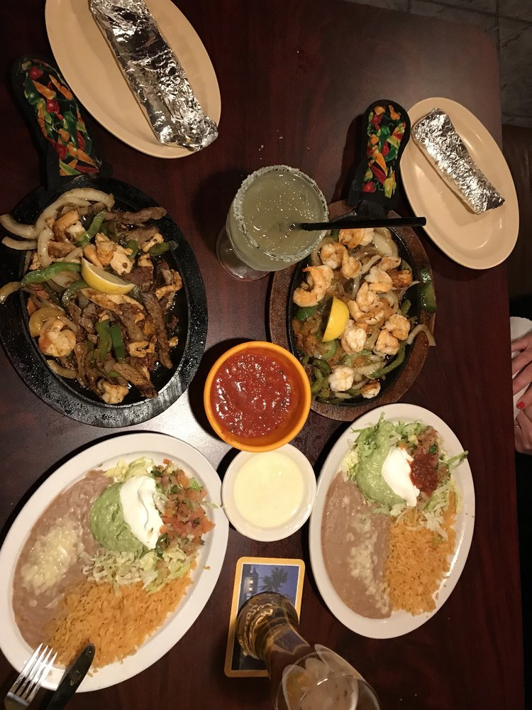 El Ranchero Mexican Grill and Bar: 1007 Highway 76, White House, TN