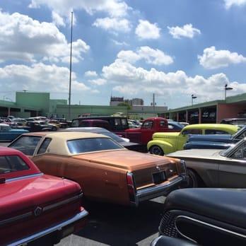 South Beach Classics Photos Reviews Car Dealers - South beach classics car show