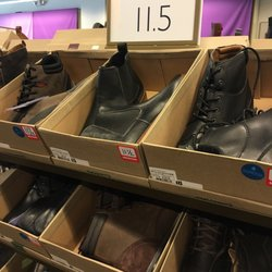 5327d65ec5fa48 Clarks Outlet - Shoe Stores - 1889 Fashion Outlet Blvd