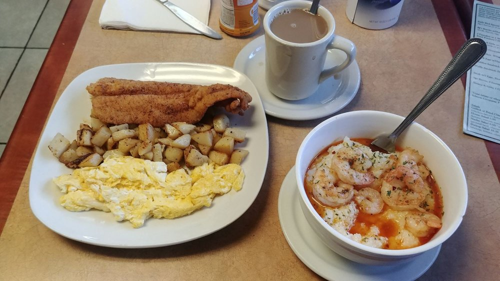T and T Diner: 2234 Green Bay Rd, North Chicago, IL