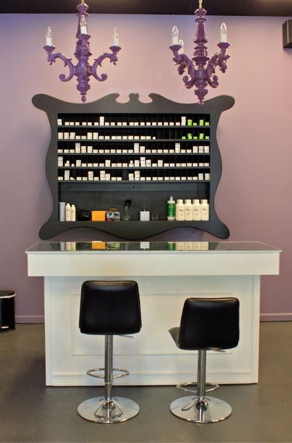 Salon Color Bar: 300 Beach Dr NE, St. Petersburg, FL