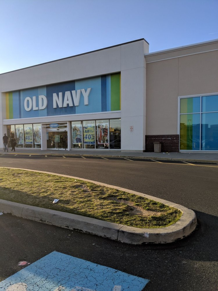 Old Navy: 941 Airport Center Dr, Allentown, PA