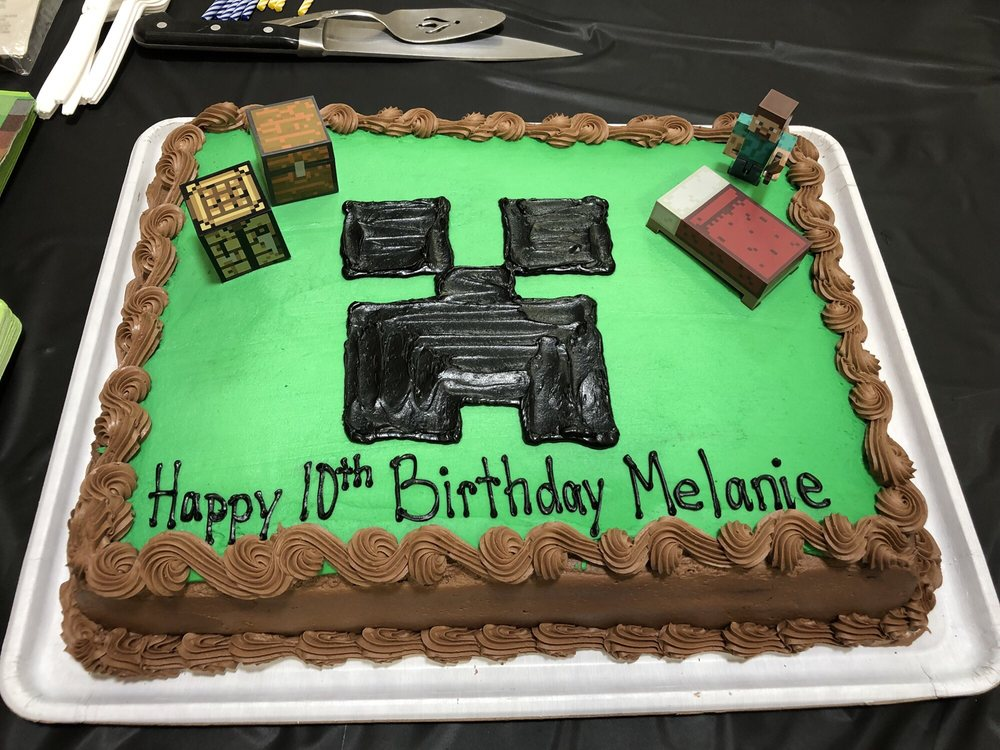 Special Minecraft Creeper Birthday Cake I Added The Figures On Top
