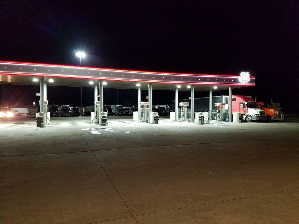 Phillips 66: 770 N I-35, Belle Plaine, KS