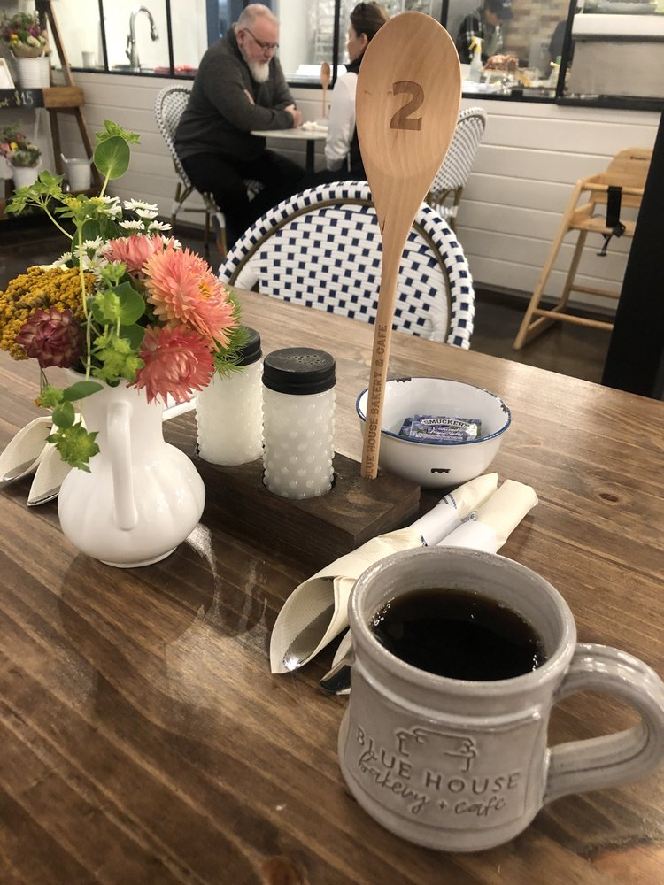 Blue House Bakery & Cafe: 4000 Highway 5 N, Bryant, AR