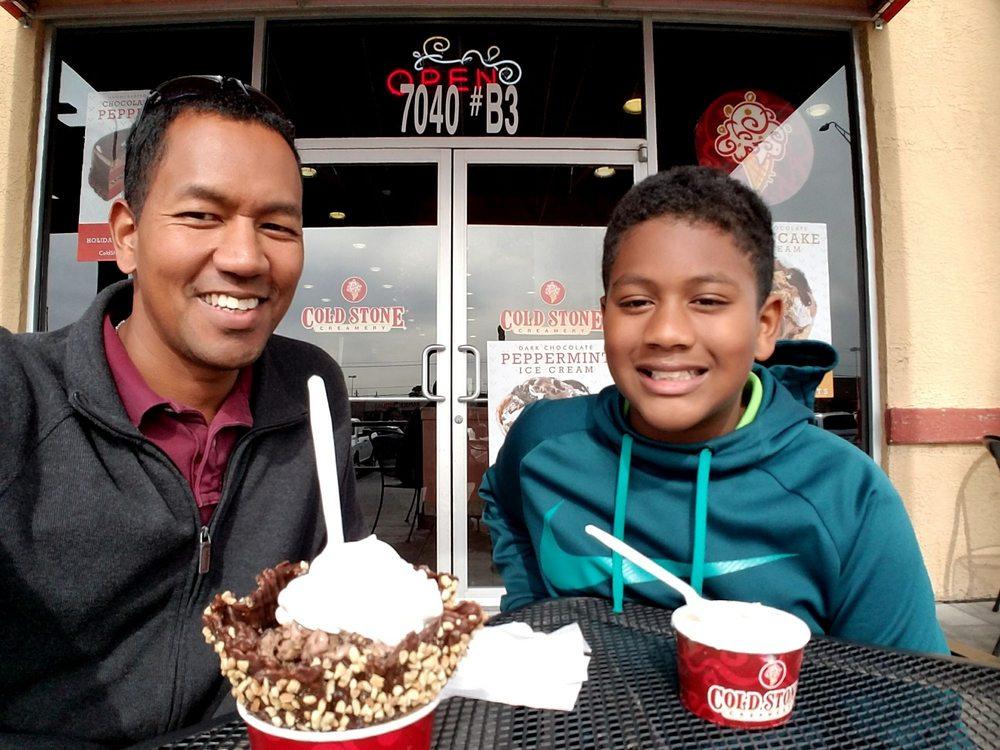 Cold Stone Creamery: 7040 N Mesa St, El Paso, TX