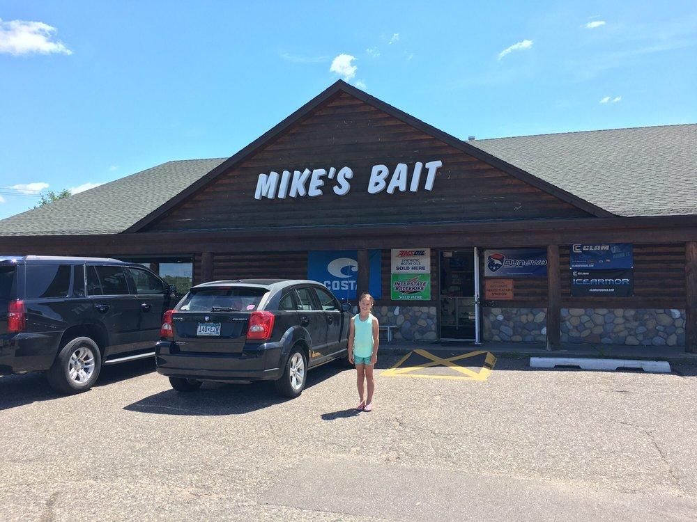 Mike's Bait On 8: 6595 Lake Blvd N, Forest Lake, MN