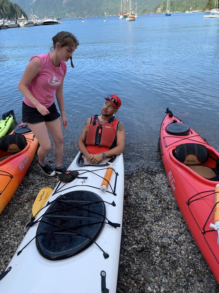Deep Cove Canoe & Kayak Centre
