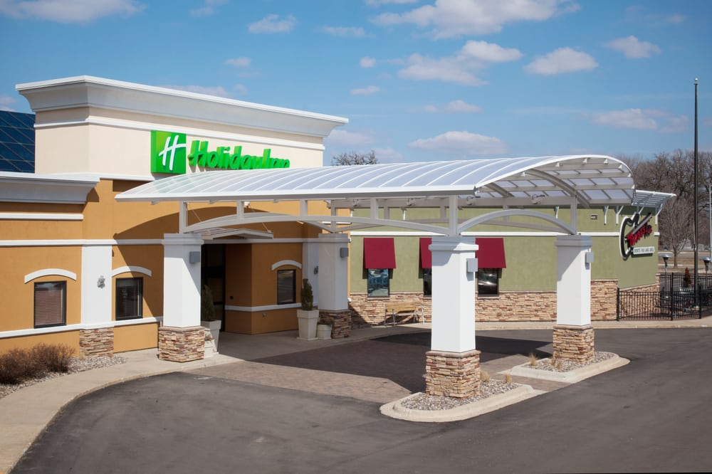 Holiday Inn Austin Conference Center: 1701 4th St NW, Austin, MN