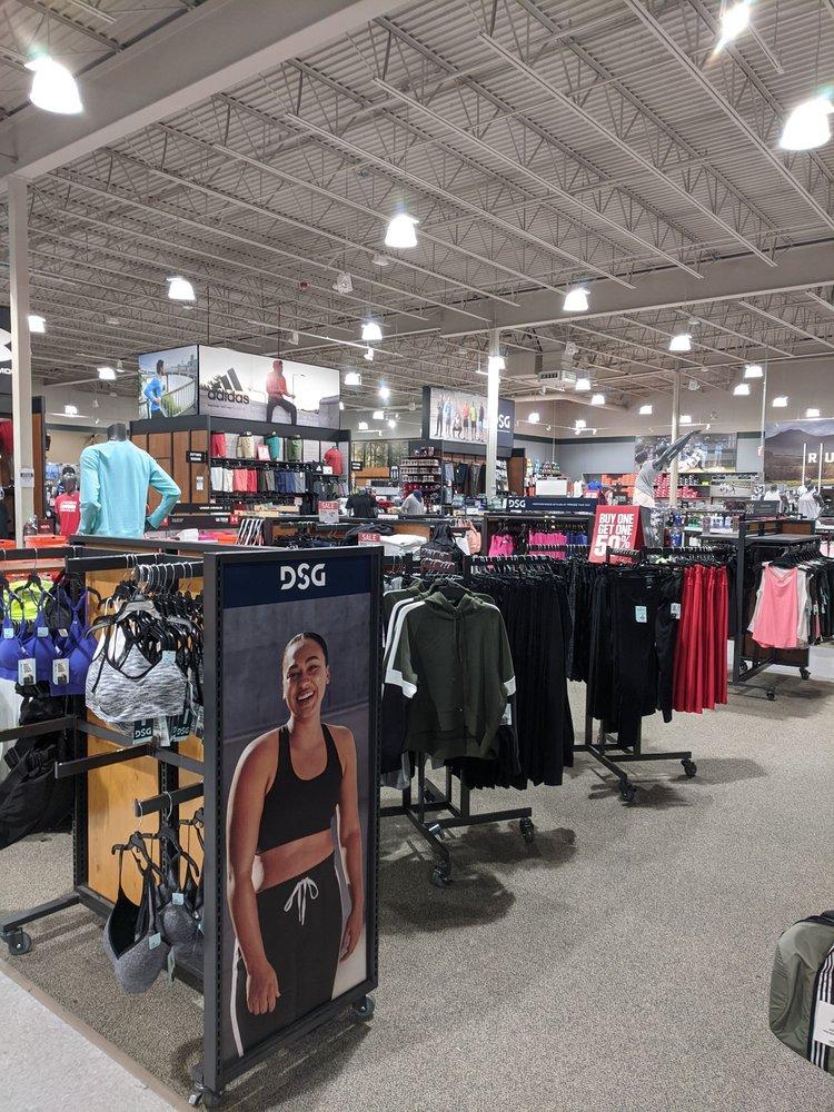 DICK'S Sporting Goods: 1079 Edwards Ferry Rd, Leesburg, VA