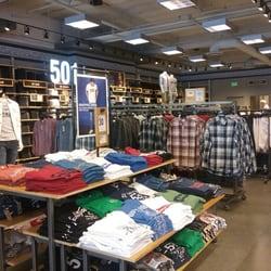 Levi s Outlet Store - 15 Photos   24 Reviews - Men s Clothing - 681 ... 601b4f703