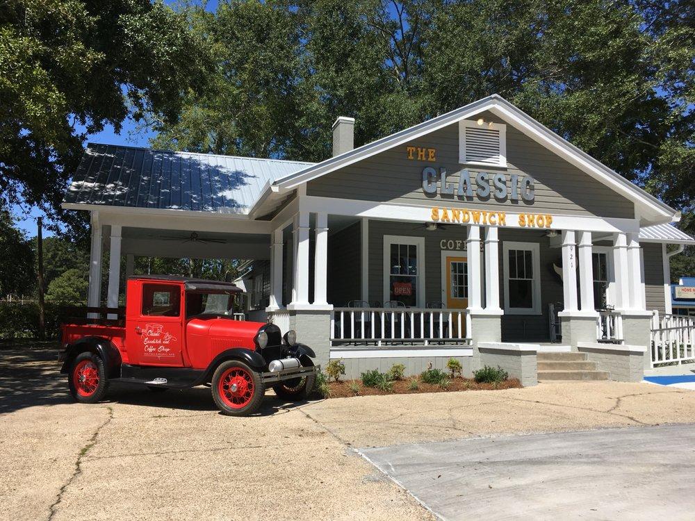 Classic Sandwich and Coffee Shop: 921 Wayne St, Waynesboro, MS