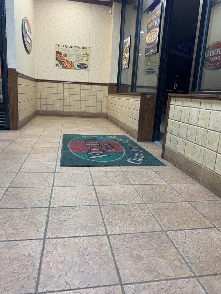 Vicello's Pizza: 34 Catoctin Cir SE, Leesburg, VA