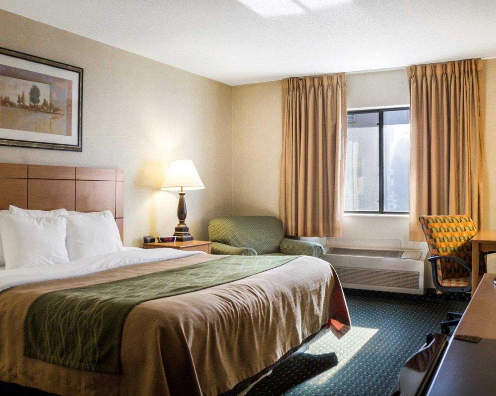 Comfort Inn: 811 20th St SW, Jamestown, ND