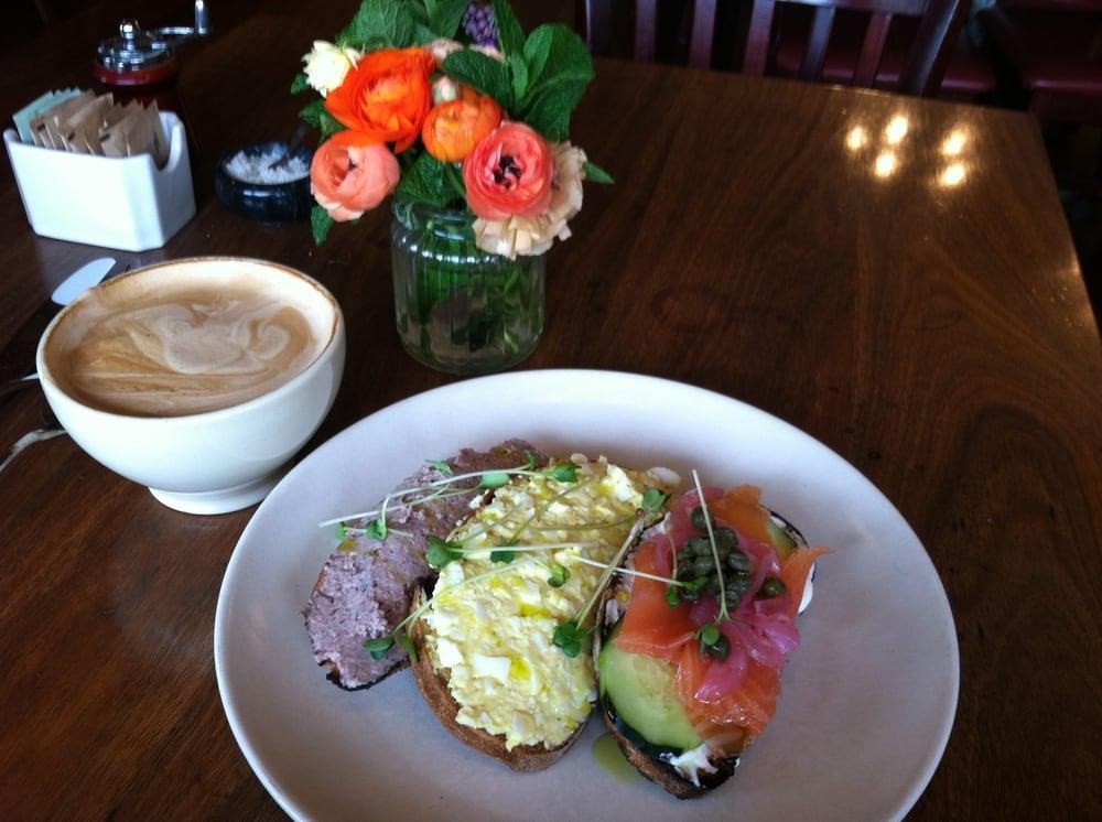 Della Fattoria Cafe Petaluma Ca