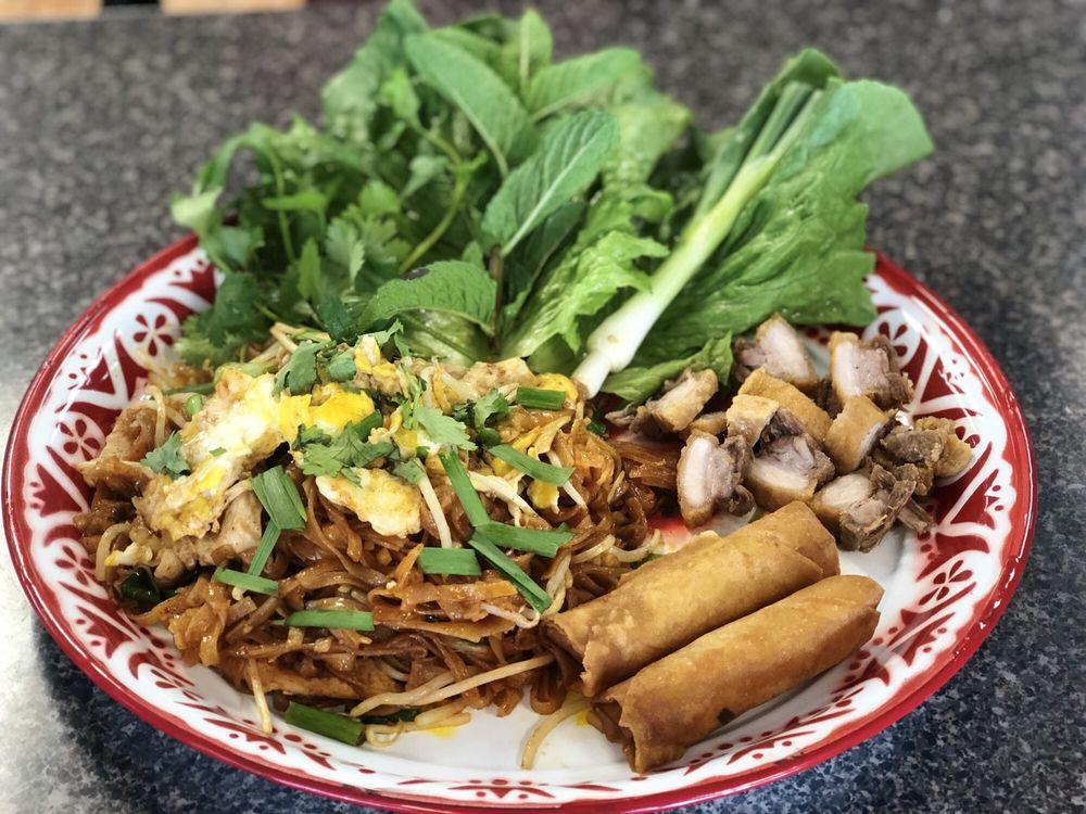 Thai In Town: 1052 14th Ave, Longview, WA