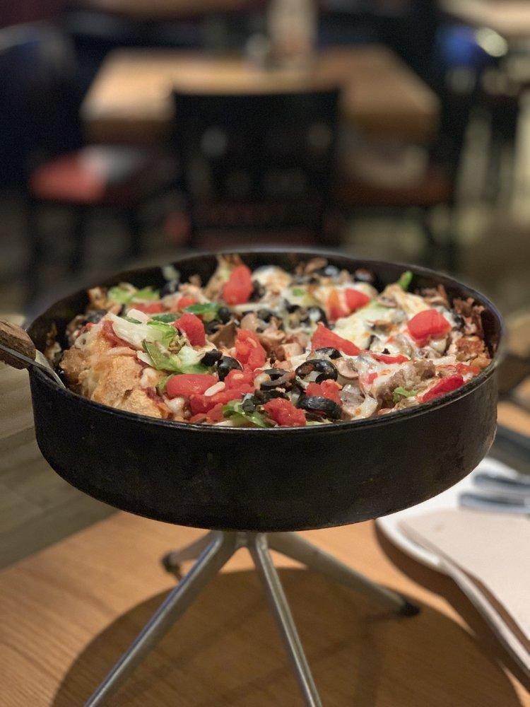 BJ's Restaurant & Brewhouse: 3748 Airport Blvd, Mobile, AL