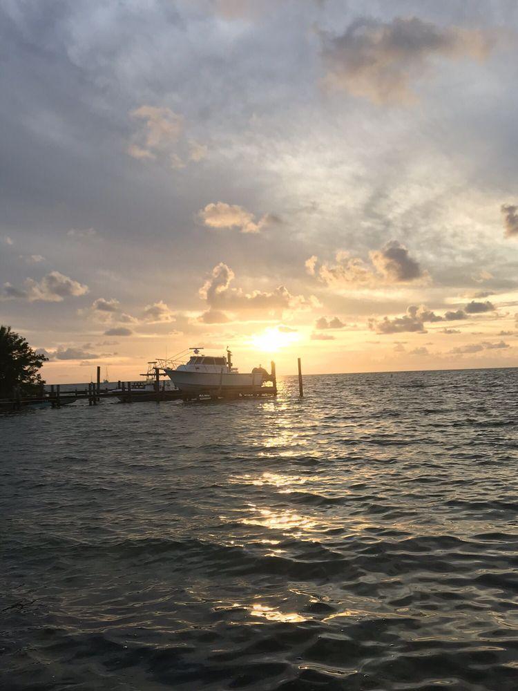 White Gate Court Resort: 76010 Overseas Hwy, Islamorada, FL