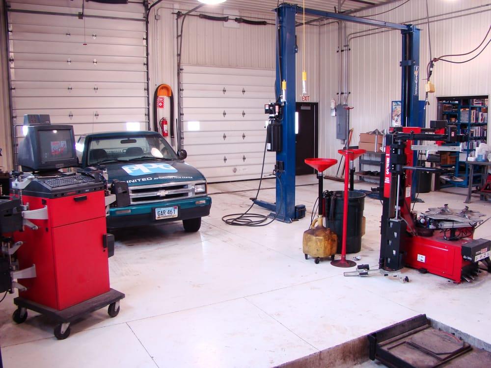 United Automotive Tech Center: 3232 28th St S, Fargo, ND