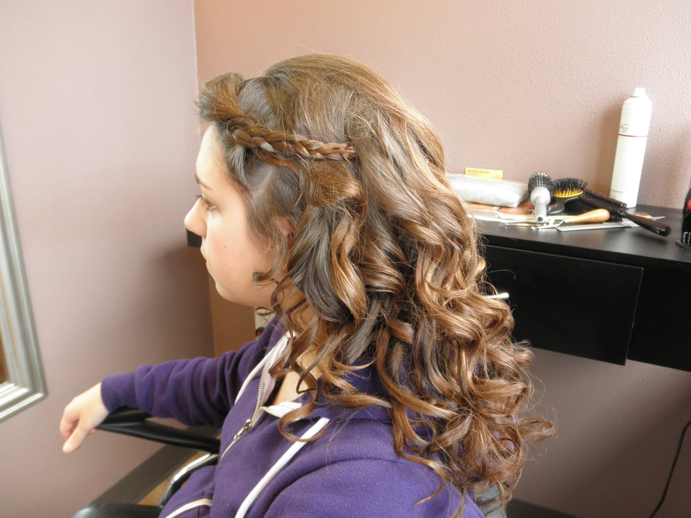 Avanti Salon: 5358 33rd Ave NW, Gig Harbor, WA