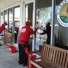 Fish window cleaning lavage de vitres 5086 nw 74th ave for Fish window cleaning