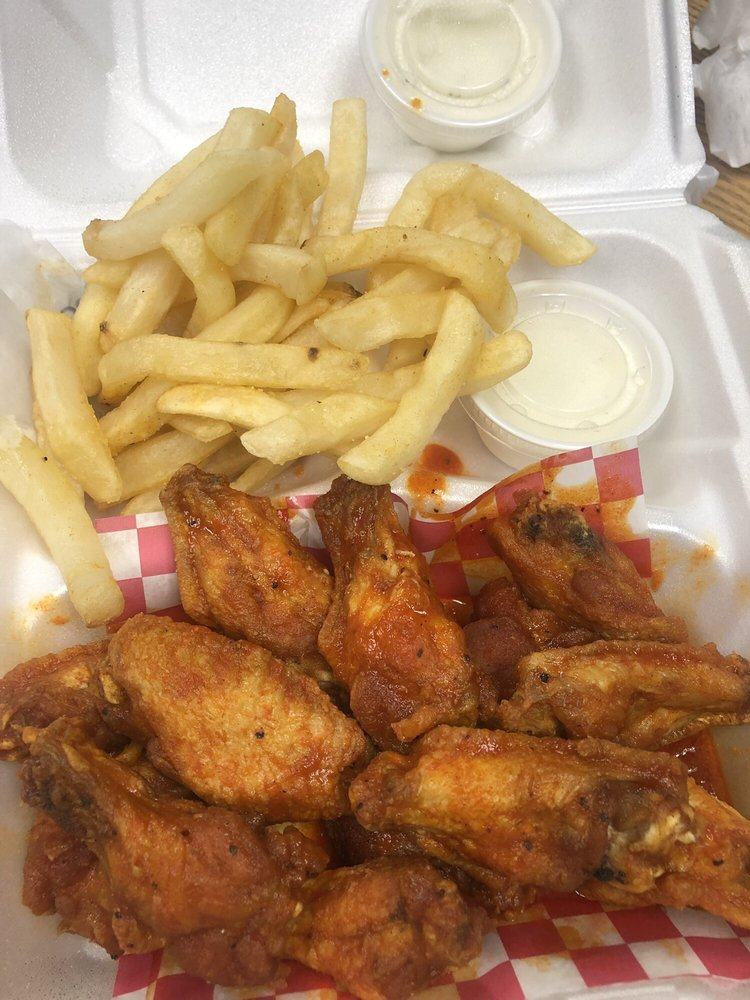 Charlie's Wings: 2652 Decker Blvd, Columbia, SC