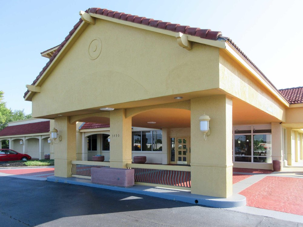 Quality Inn Clemson near University: 3430 Clemson Blvd, Anderson, SC