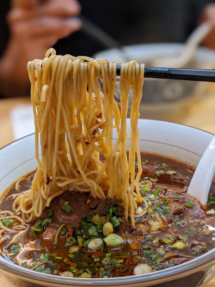 LeNu Taiwan Beef Noodle Singapore