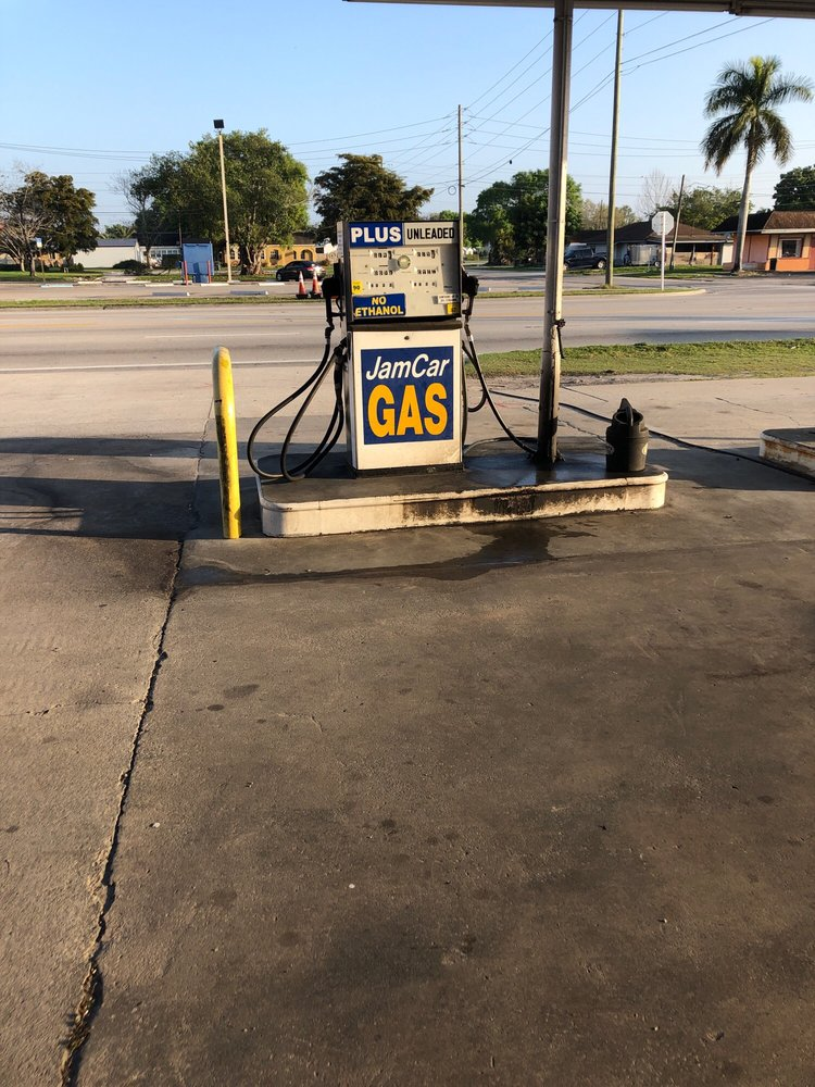 Jimmy's Tire Center: 400 W Sugarland Hwy, Clewiston, FL