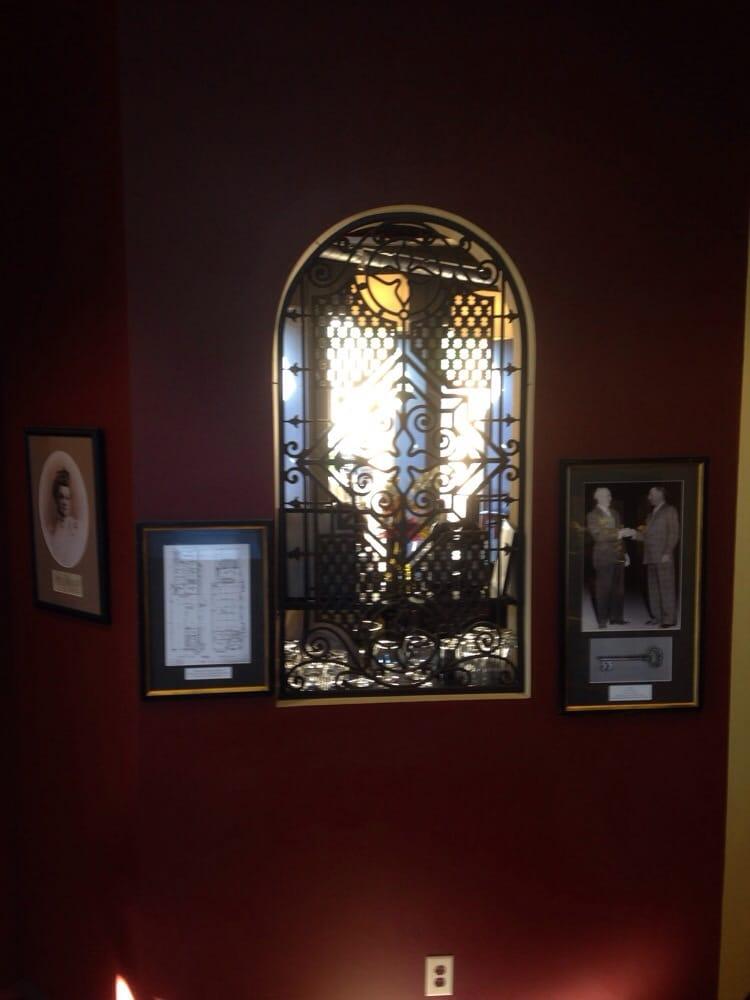 Gilroy Restaurants Old City Hall