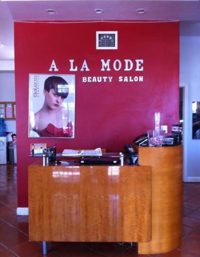 A la mode beauty salon 13 reviews hair salons 2270 for Abaka salon coral gables
