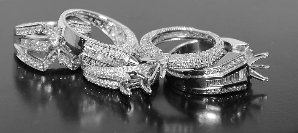Centennial Jewelers: 3600 Lexington Ave N, Saint Paul, MN