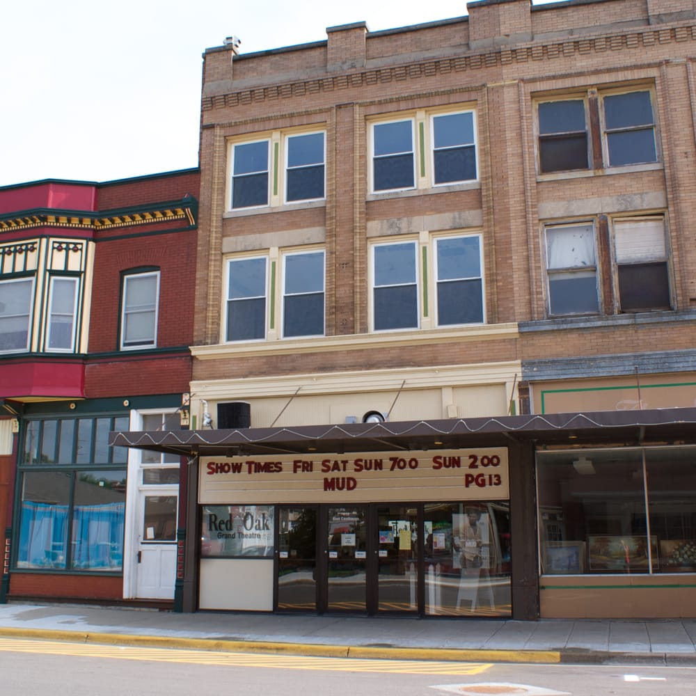 Grand Theatre: 410 E Coolbaugh St, Red Oak, IA