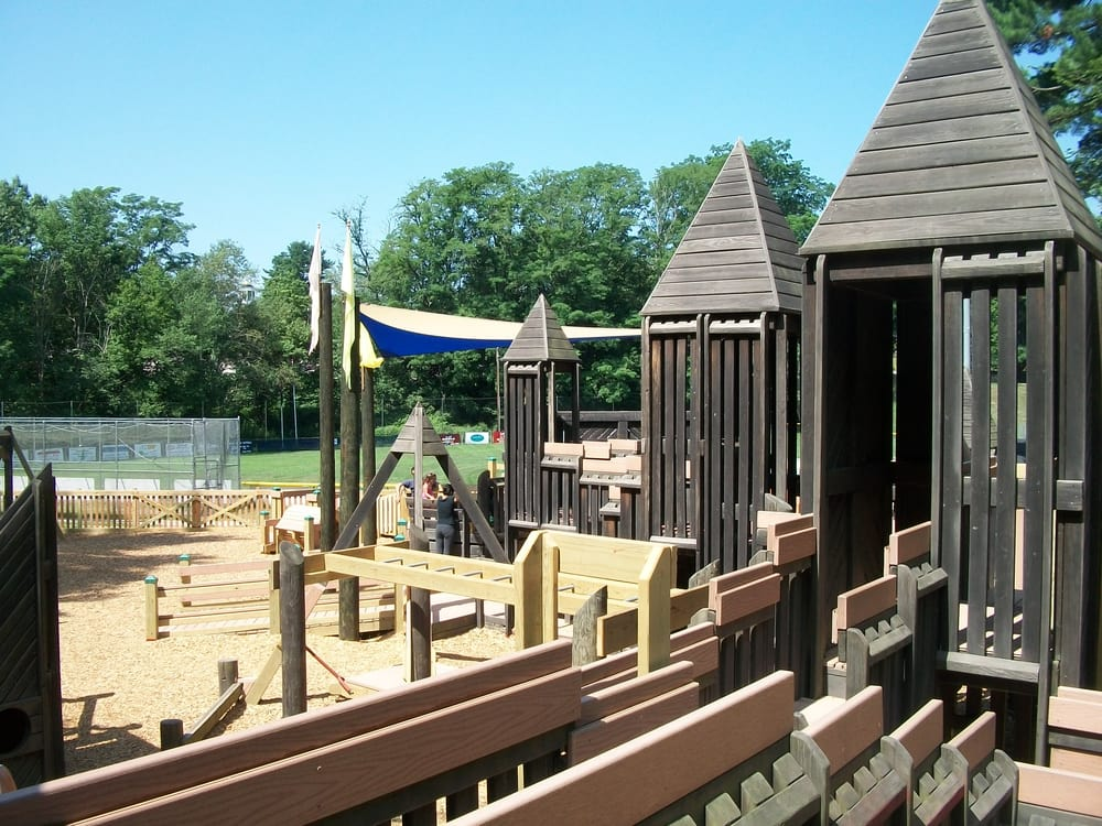 Twin Bridges Park and Kids Kove: 487 Daniel Webster Hwy, Merrimack, NH