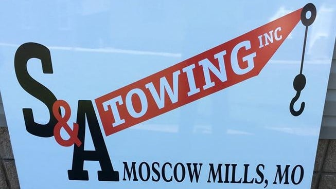 S & R Towing: 95 Elm Tree Rd, Moscow Mills, MO