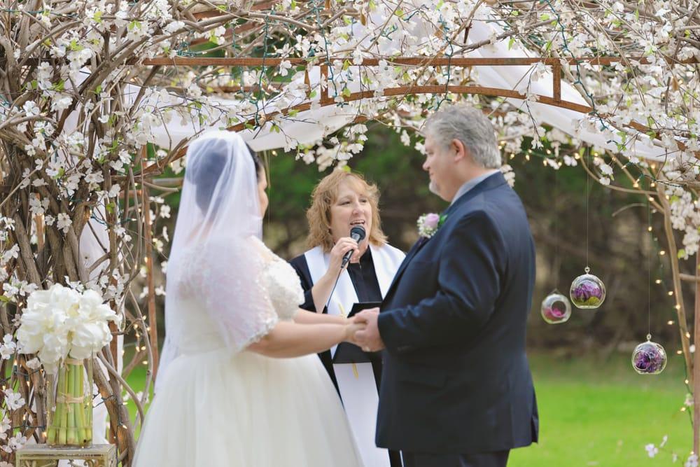 Rev Linda McWhorter - True+Love Weddings